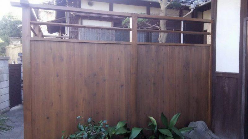 木塀制作。工事期間は3日間。時間制だと高くなるので日給制でご提案致しました。
