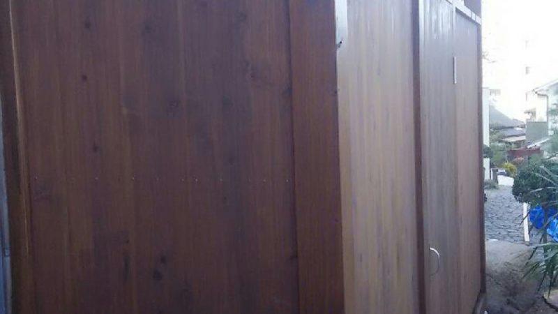 最後に杉板を貼り防腐処理をして完成しました。